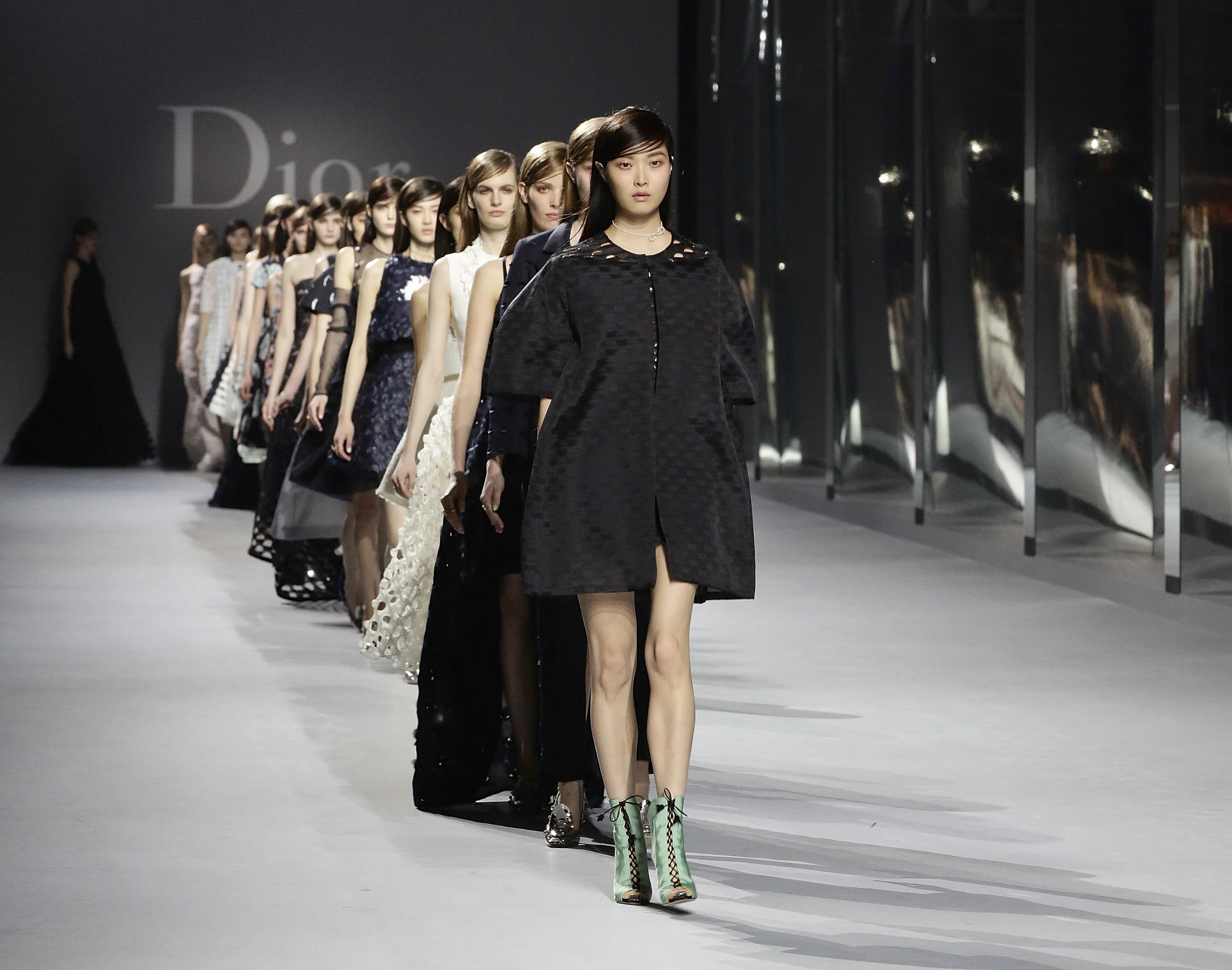 Christian Dior brings its Spring/Summer 2014 couture show ...